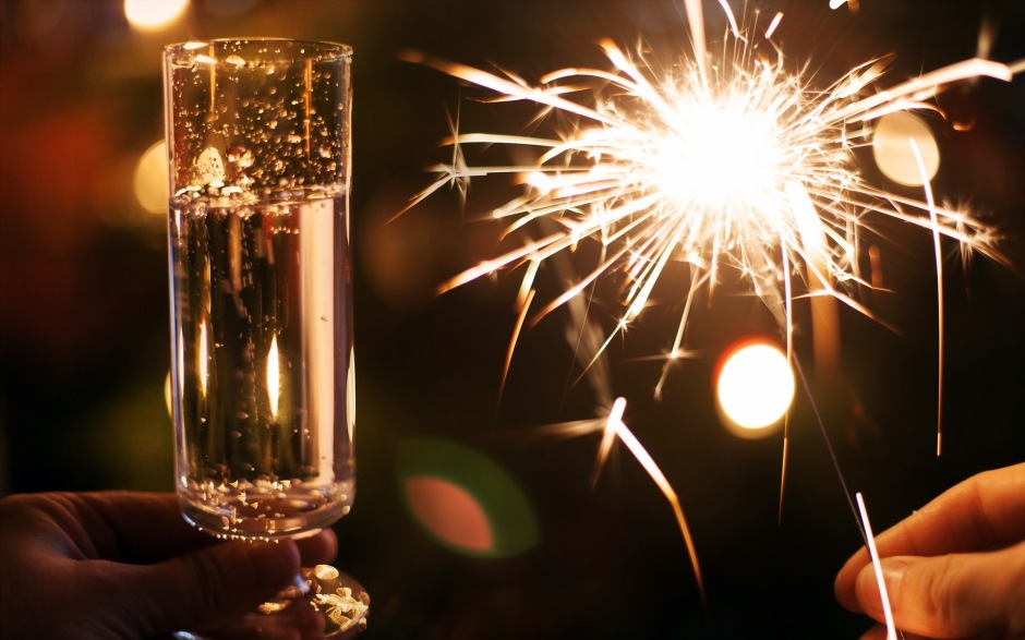 wine-lights-new-year-drinks-fire-wallpaper-1